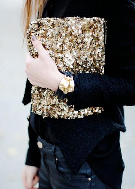 26.  black and gold habituallychic