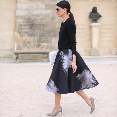 1. full skirt street style