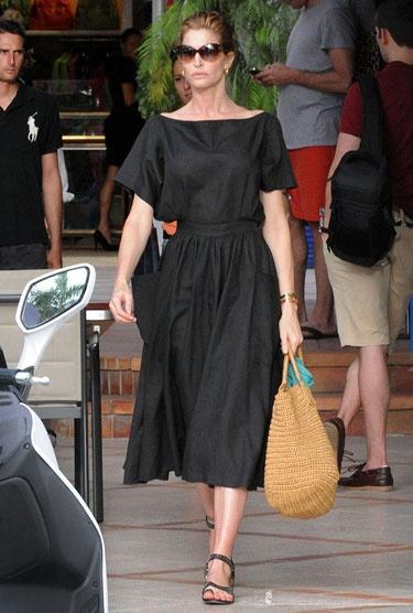 10.  full skirt stephanie seymour