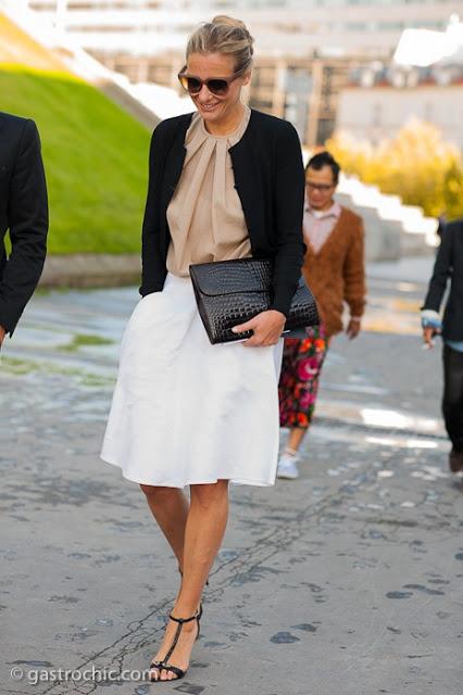 12.  full skirt street style