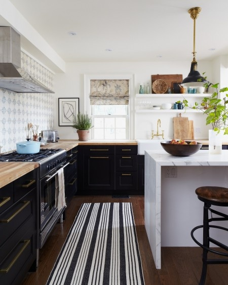 17. black and white via Canadian House and Home