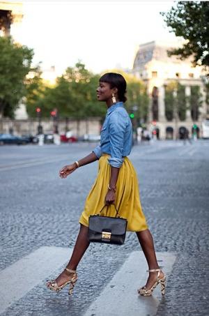18.  full skirt street style