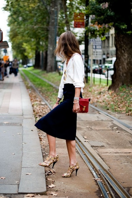 8.  full skirt street style