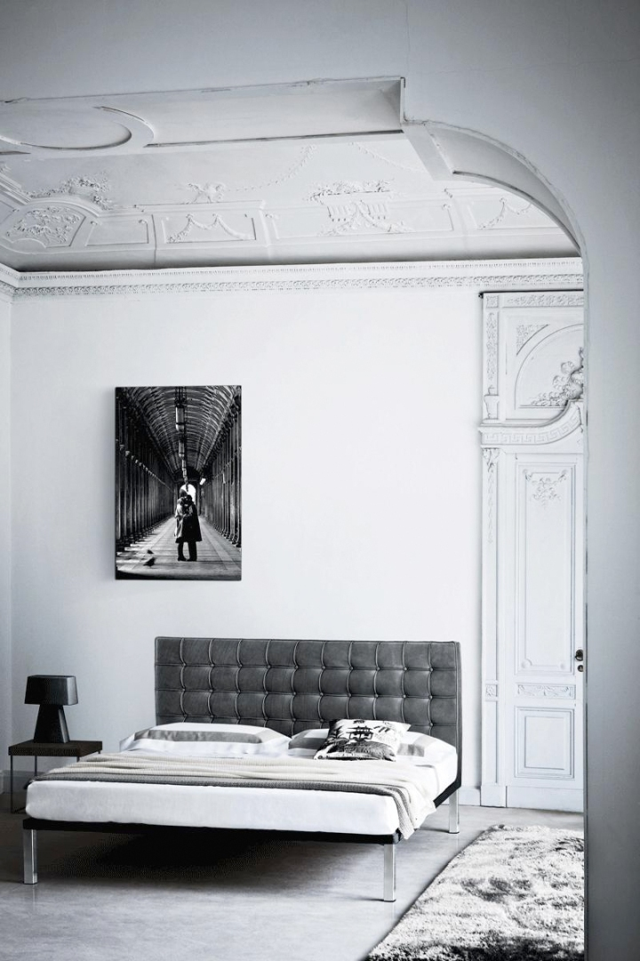 gray-bedroom-via-fashionsquad