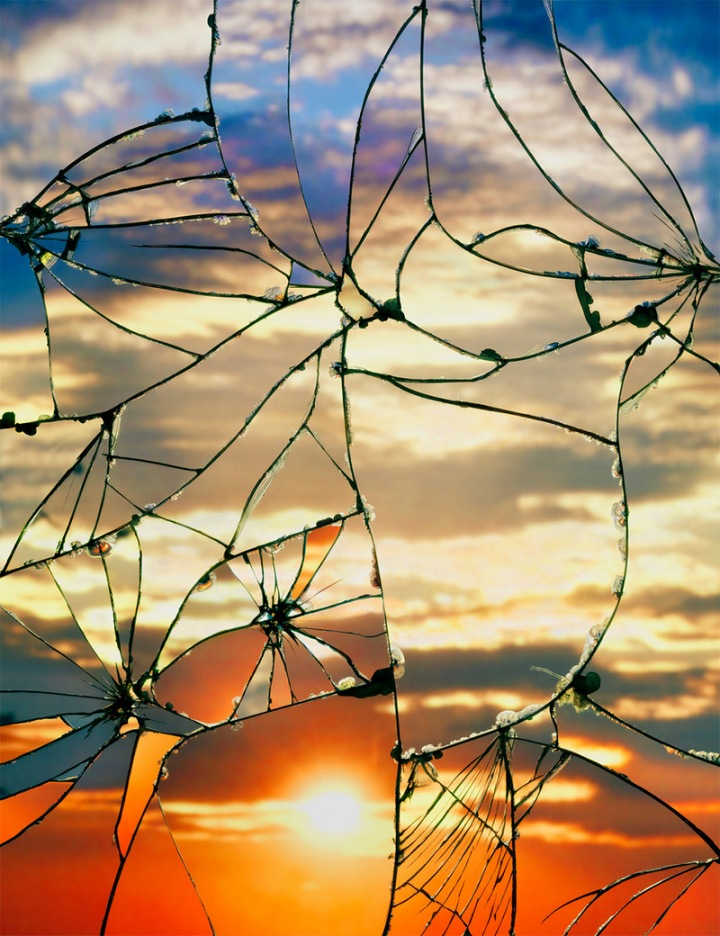 Photographs-of-Sunsets-as-Reflected-through-Shattered-Mirrors-by-Bing-Wright-3