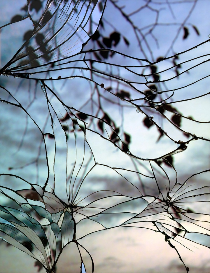 Photographs-of-Sunsets-as-Reflected-through-Shattered-Mirrors-by-Bing-Wright-8