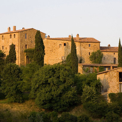 castello-di-vicarello-bedroom_article_banner_img