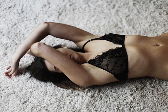 studded-hearts-inspiration-13-black-bra