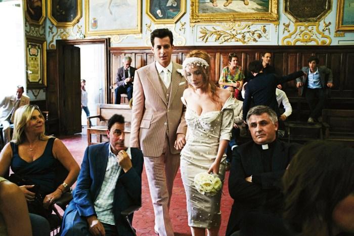 Vogue-Nov-2011-p155-b_1080x720