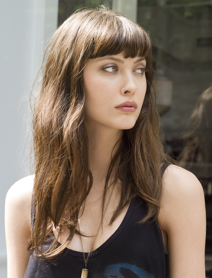 Le-Fashion-Blog-17-Hairstyles-With-Bangs-Best-For-Your-Face-Shape-Model-Amanda-Hendrick-Fashion-Jot