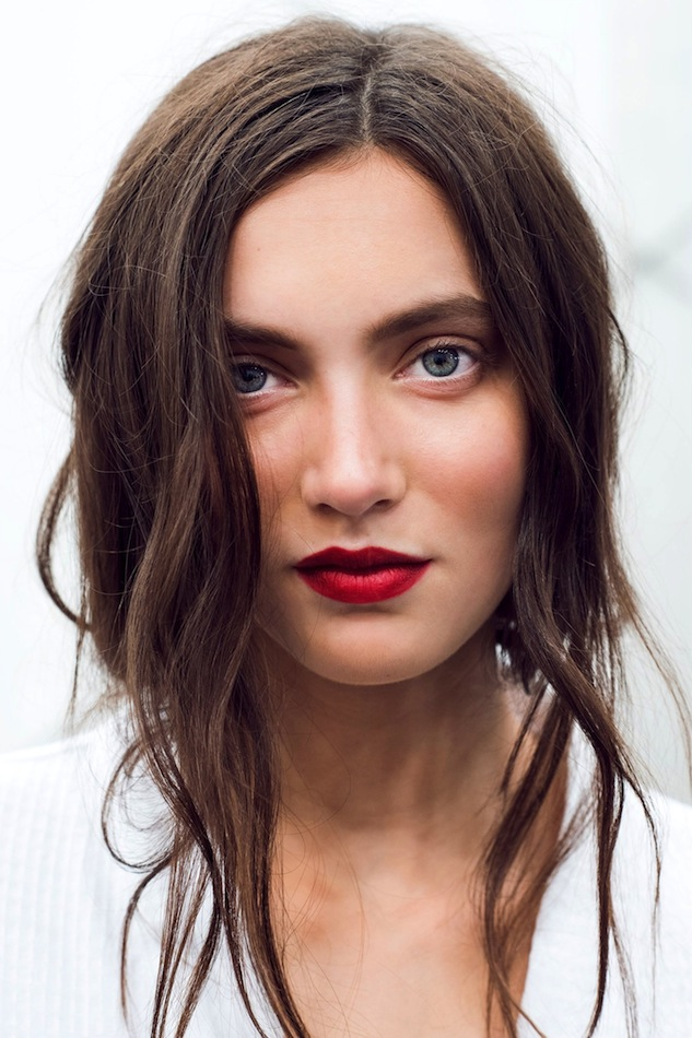 Le-Fashion-Blog-Holiday-Party-Beauty-Inspiration-Romantic-Waves-Red-Lipstick-White-Eyeliner-Burberry-SS-2015-Via-Gary-Pepper