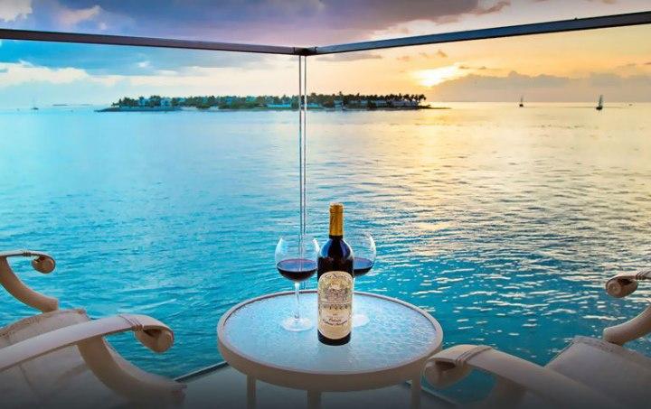 5440226e69d5bb9d1d7e63f5_pier-house-resort-spa-key-west-florida-rca-2014
