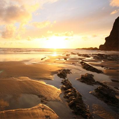 6-1370341865-sunset-surfing-at-mermaid-pool-crackington-haven-near-bude__landscape