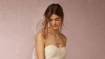 this-new-marchesa-wedding-dress-collab-is-ridiculously-dreamy-1613501-1452044316-640x0c