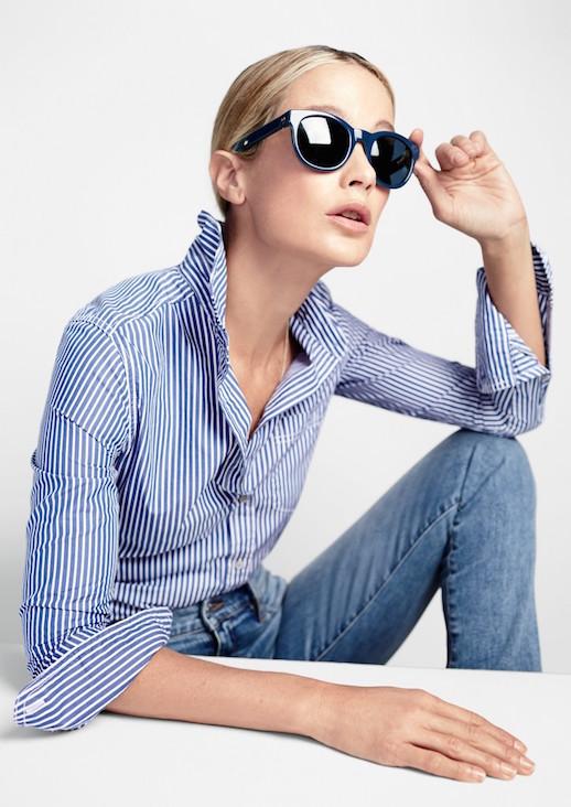 Le-Fashion-Blog-JCrew-Classic-Round-Navy-Sunglasses-Lookbook-Carolyn-Murphy-Striped-Button-Down-Shirt-Light-Wash-Denim