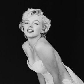 hbz-marilyn-as-a-seductive-ballerina-ny-1956-milton-h-greene-archive-images