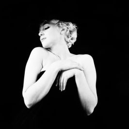 hbz-marilyn-in-a-black-derby-and-not-much-else-ny-1956-milton-h-greene-archive-images