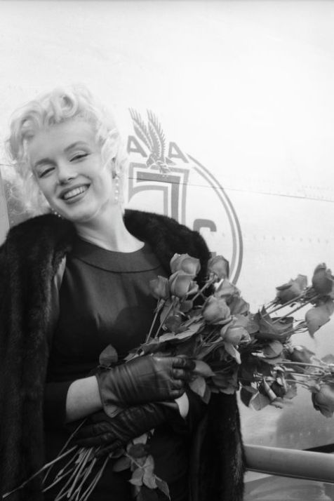 hbz-marilyn-the-american-airlines-session-los-angeles-1956-milton-h-greene-archive-images